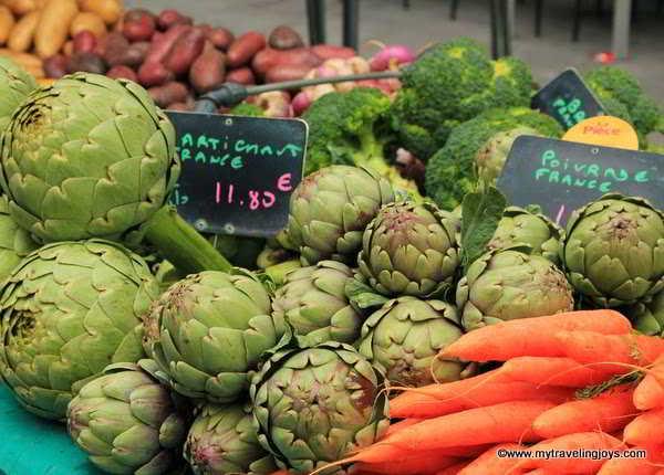 Les Halles (Farmers' Market) in Paris