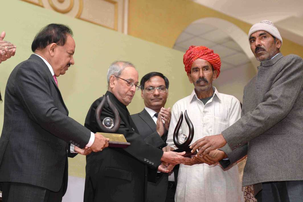 ROOTS AND WINGS: President Pranab Mukherjee presents the Ninth National Biennial Award for grassroots innovations and outstanding traditional knowledge at Rashtrapati Bhawan, UNI