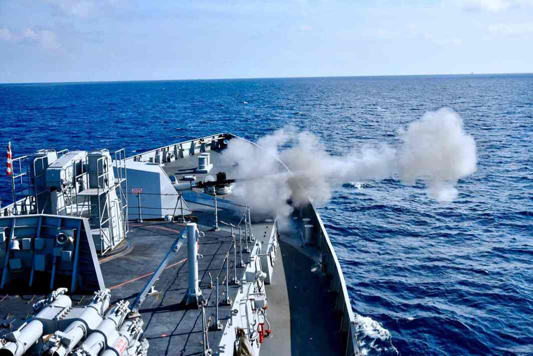 GUNS AHOY: Concluding part of the bilateral exercise between India and Republic of Singapore Navy 'Simbex-17' in Visakhapatnam, UNI