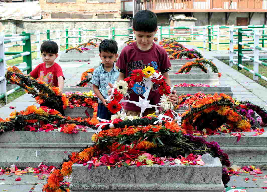 YOUNG MINDS: Tiny tots pay tribute to the martyrs of July 31, 1931, at Mazar-e-Shouda in Naqashband Sahib shrine at Khawaja Bazar in Srinagar, UNI