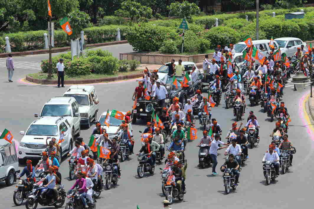 GUARD OF HONOUR: BJP workers take out a bike rally to welcome national president Amit Shah on his arrival in Jaipur, UNI