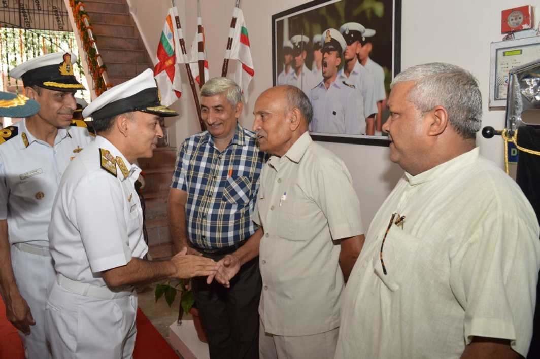 HELLO FOLKS: Vice-Admiral Anil Kumar Chawla, Chief of Personnel, interacts with ex-servicemen after inaugurating a new Ex-Servicemen Contributing Health Scheme (ECHS) polyclinic, as part of the expansion of the Armed Forces Health Care Scheme for its veterans, UNI