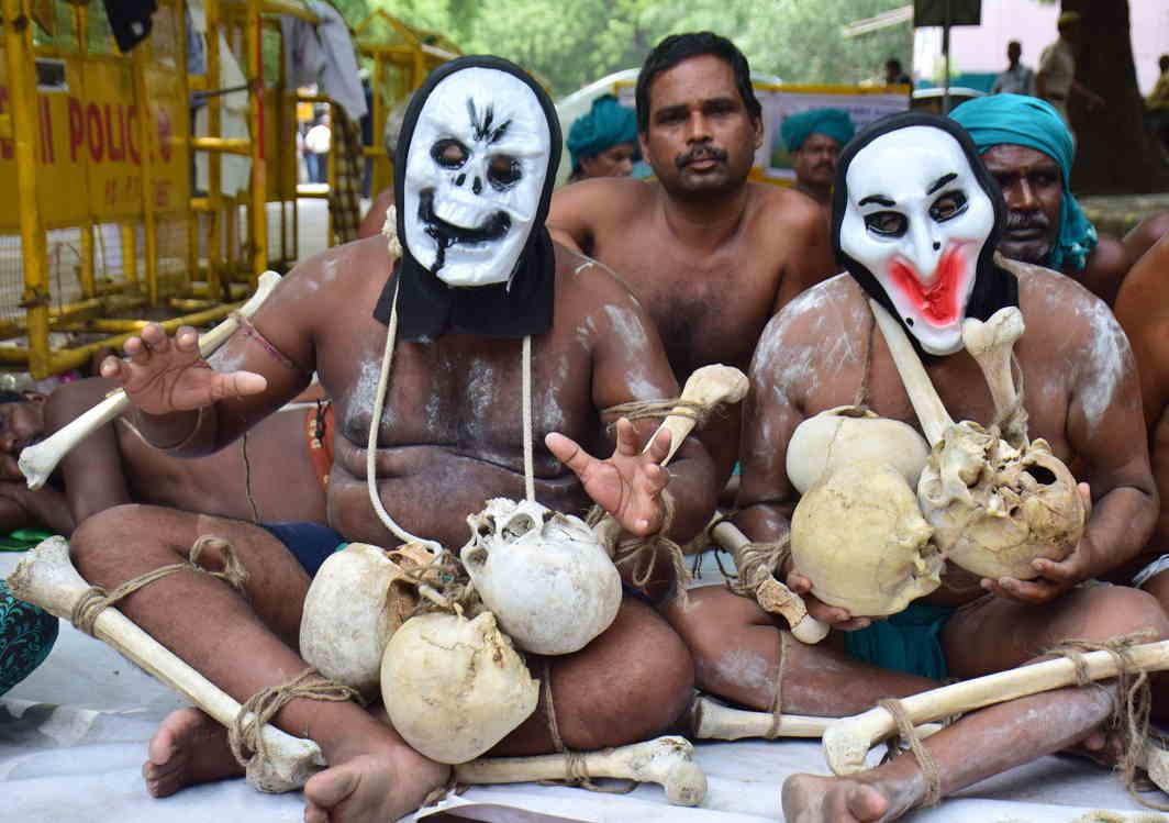 HEAR US: Farmers from Tamil Nadu hold a demonstration near the parliament, in New Delhi, UNI