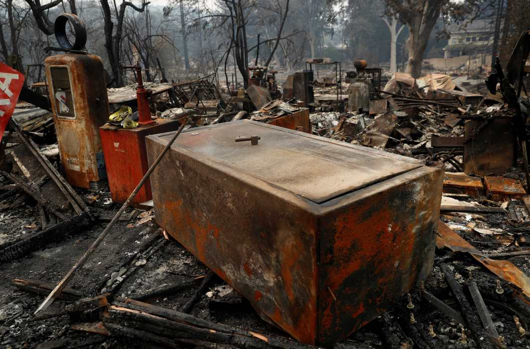SALVAGED BITS: Remains of a charred safe damaged by the Nuns Fire is seen in Glen Ellen, California, US, Reuters/UNI