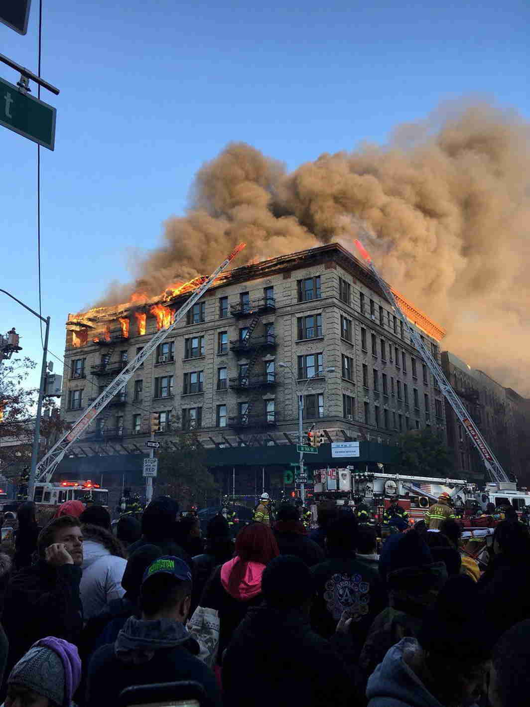 URBAN ACCIDENT: A fire in Manhattan, New York, US, Reuters/UNI