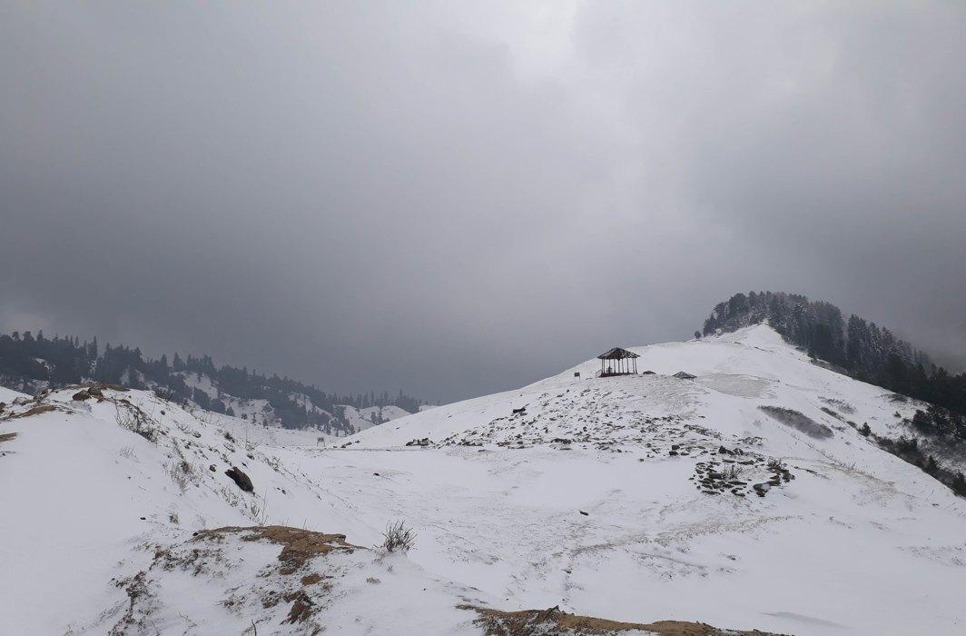 SNOWBLIND: A view of tourist destination Padridhar after fresh snowfall, in Bhaderwah, Jammu & Kashmir, UNI