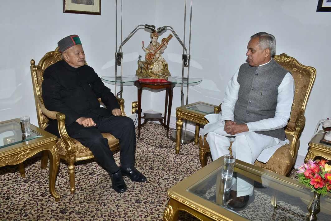 GOODBYE CHIEF: Himachal Pradesh Chief Minister Virbhadra Singh after handing over his resignation to Governor Acharya Dev Vrat, at Raj Bhavan in Shimla, UNI