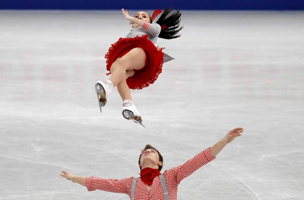 LIQUID GRACE: Russia's Apollinariia Panfilova and Dmitry Rylov at the ISU Grand Prix of Figure Skating Final in Nagoya, Japan, Reuters/UNI