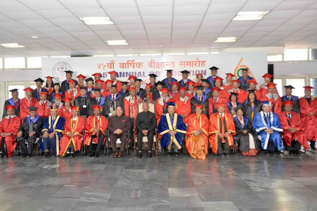 MEET THE PRESIDENT: President Ram Nath Kovind poses for a photograph with degree holders during the 45th Institute Annual Convocation of the All India Institute of Medical Sciences (AIIMS) at AIIMS, New Delhi, UNI