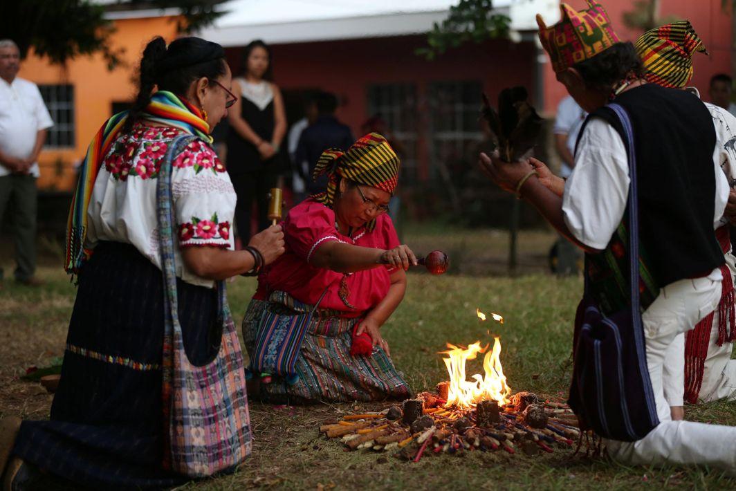 UNFORGOTTEN: People participate in a traditional ceremony to commemorate the victims of the 1932 Salvadoran peasant massacre in Izalco, El Salvador, Reuters/UNI