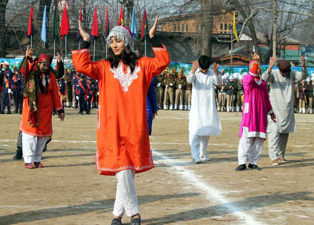 RICH HERITAGE: Artists take part in a cultural programme during full dress rehearsal for Republic Day at Sher-i-Kashmir Stadium in Srinagar, UNI