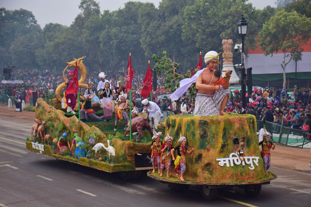 JEWELLED LAND: The Manipur tableau passes through the saluting dais during the dress rehearsal of the Republic Day Parade at Rajpath, New Delhi, UNI