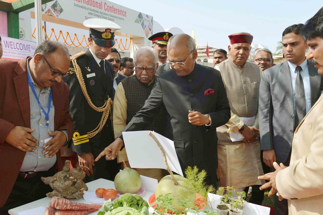 "FOOD TECH: President Ram Nath Kovind visits stalls after inaugurating international conference ""Agricon 2018"" and ""Agriexpo 2018"" at Chandra Shekhar Azad University of Agriculture and Technology, in Kanpur, UNI"