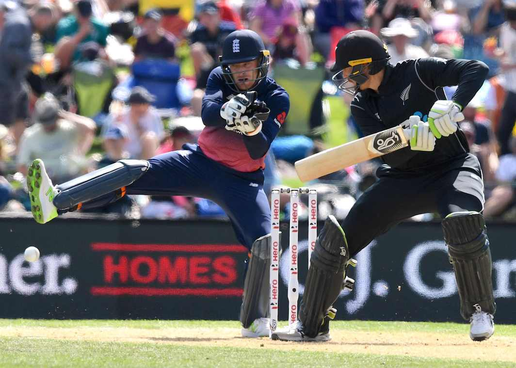 WHAT A SHOT: New Zealand's Martin Guptill hits a shot as England wicketkeeper Jos Buttler reacts during their one-day international match at Hagley Park, Christchurch, Reuters/UNI