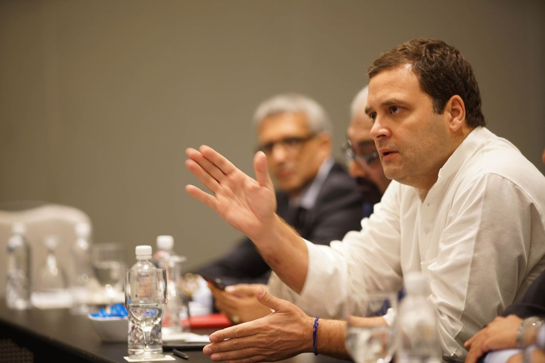 BIZ CHAT: Congress president Rahul Gandhi meets Indian-origin CEOs of companies, in Singapore, UNI