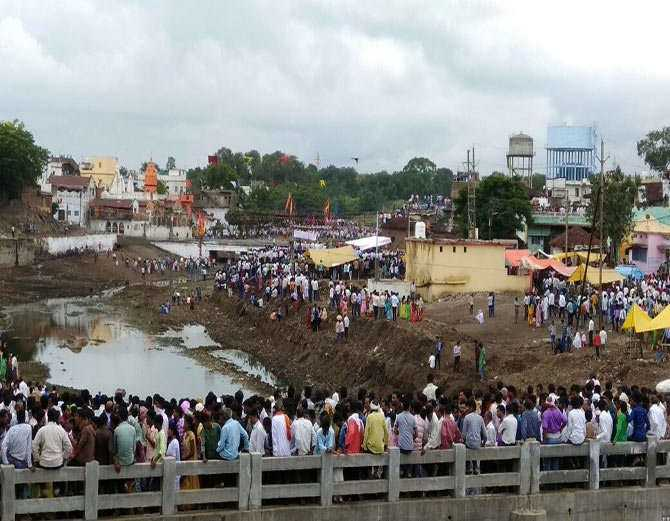 More than 500 injured in Chhindwara in the name of tradition - 1