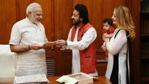 PM Modi welcomes 'Madina' - 1