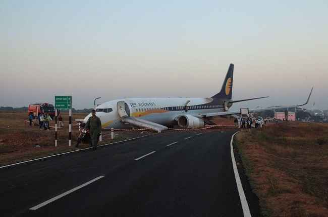 GOA, DEC 27 :- A Jet Airways aircraft is seen after it skidded off the runway before takeoff at an airport in Goa, India December 27, 2016. REUTERS-10R