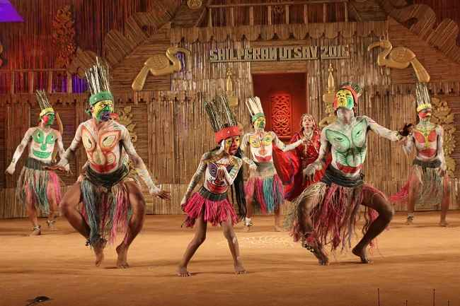 UDAIPUR, DEC 27 (UNI):-Tribal artists from Baran distict of Rajasthan performing during the Ship Gram Utasav, in Udaipur on Monday Night. UNI PHOTO -11u