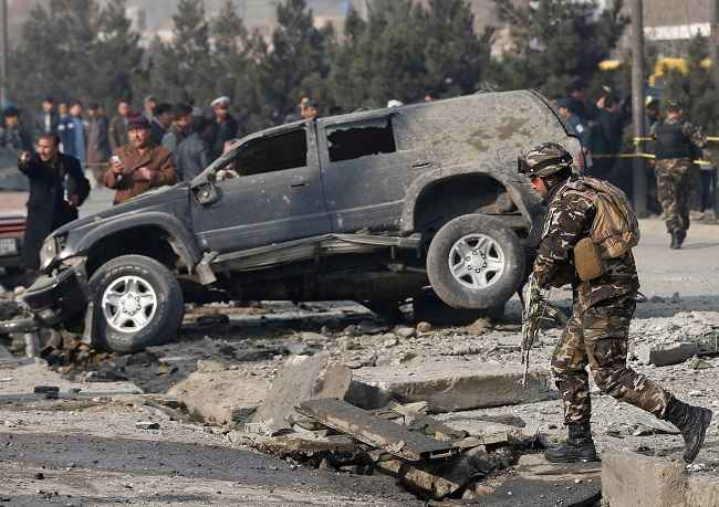 KABUL, DEC 28:- Afghan security forces inspect the site of a blast in Kabul, Afghanistan December 28, 2016. REUTERS-12R