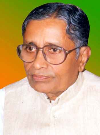 BHOPAL, DEC 28 (UNI):- File photo of former Madhya Pradesh Chief Minister Sunderlal Patwa passed away at the age of 92 on 28 December. The senior leader died after suffering a cardiac arrest. UNI PHOTO-39U