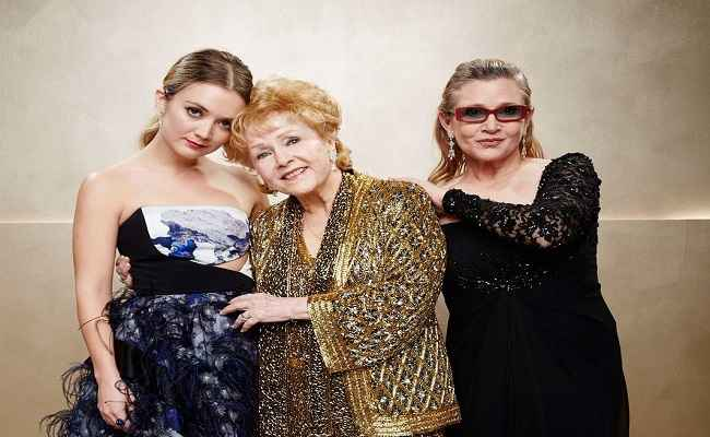 Billie Lourd with her mother Fisher and grandmother Reynolds, at the Screen Actors Guild Awards in Los Angeles in 2015, courtesy: Facebook